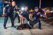 ببینید | تصاویر آزاردهنده از خفگی یک سیاهپوست با ضربات مشت پلیس آمریکا