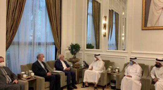 ظريف يجري مباحثات مع وزير خارجية قطر