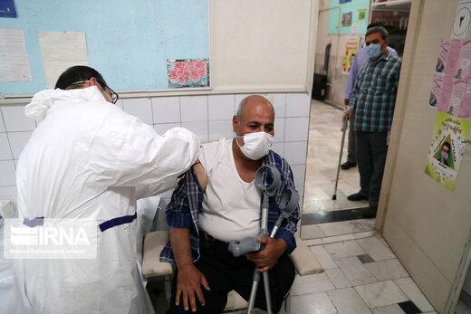 پیشنهاد یک پزشک متخصص: باید مشهد قرنطینه شود