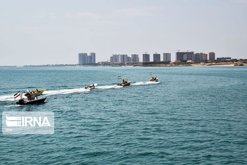 5557410 - تصاویر | برگی از غرور ملی؛ رژه دریایی گرامیداشت روز ملی خلیج فارس در کیش