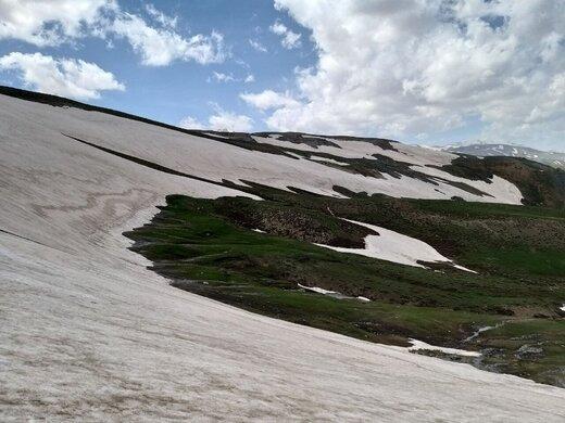 """تلفیق بهار و زمستان در دامنه کوهستانهای """"مرگور"""" ارومیه"""
