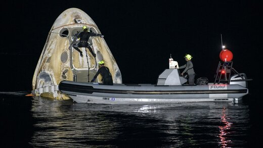 ببینید | لحظه فرود کپسول دراگون متعلق به «اسپیس ایکس» در خلیج مکزیک