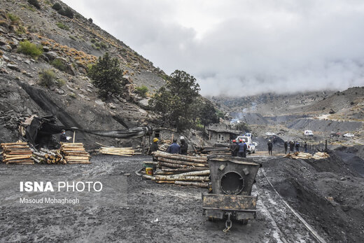 چهارمین روز عملیات امداد و نجات کارگران معدن طزره