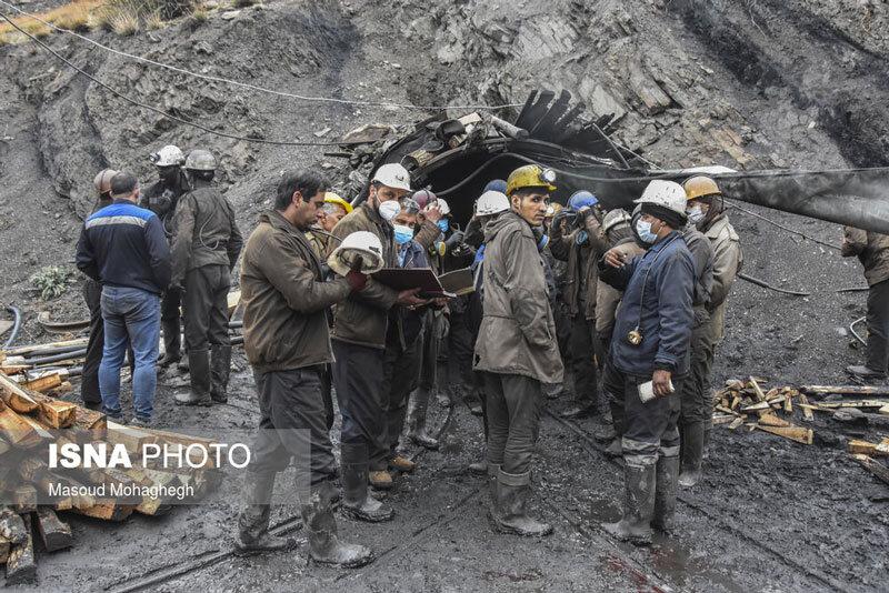 5558803 - تصاویر   تلاش برای امداد و نجات کارگران معدن طزره