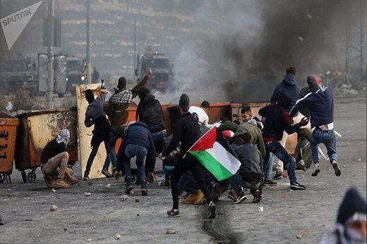 ببینید | حرکت جالب کودک شجاع فلسطینی در درگیریهای بیت المقدس