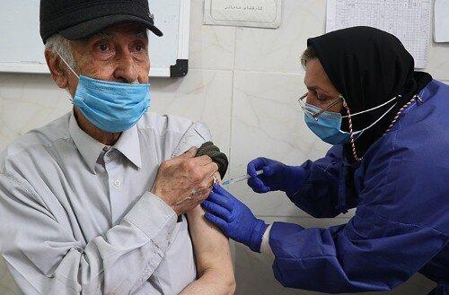 ۵۰درصد از جمعیت بالای ۸۰سال شهرستان آوج واکسینه شدند