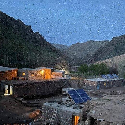 """روستای """"امن کندی"""" میاندوآب، اولین روستای برقدار شده توسط سیستم خورشیدی در آذربایجانغربی"""