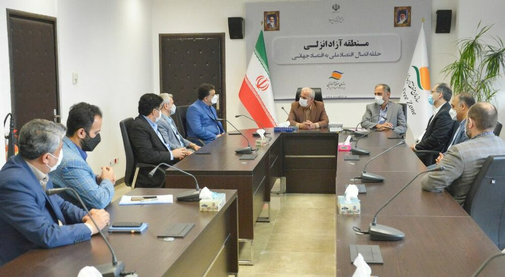 جلسه مشترک رییس انجمن نظام مهندسی ساختمان گیلان با مدیرعامل سازمان منطقه آزاد انزلی