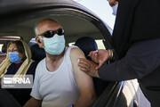 تصاویر | واکسیناسیون سالمندان بالای ۸۰ سال در خودرو