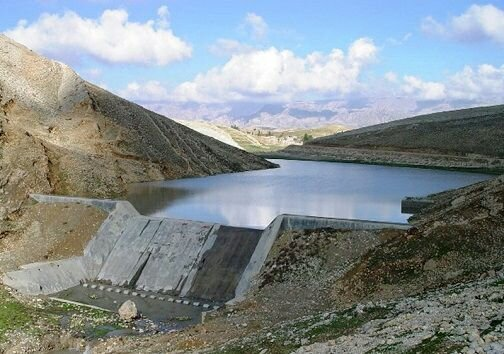 آغازاجرای پروژه های آبخیزداری با حجم ۱۹۳۰۰ متر مکعب در حوزه آبخیز ده نمک شهرستان آرادان