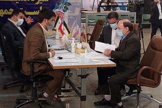 با احمدی نژاد مشورت نکرده ام /۶۴ برنامه برای دولت آینده دارم / فعلا ستاد انتخاباتی ندارم