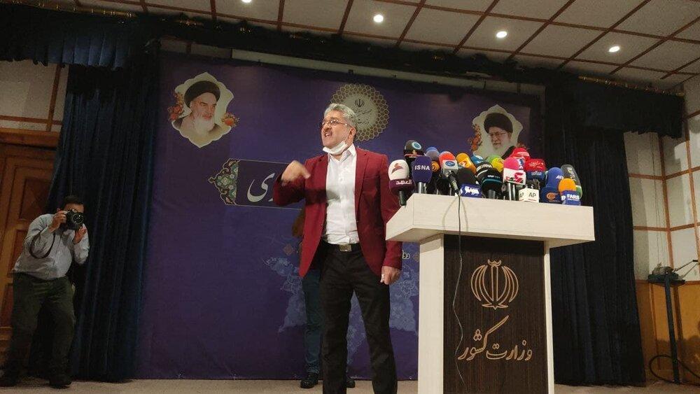 احمدی نژادِ جدید آمد، عارف نیامد /ستاد انتخابات منتظر لاریجانی و رئیسی