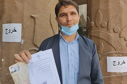 ببینید | جوان سنندجی که به سختی توانست کاندیدای ریاست جمهوری شود: ایران می سازمت با خشت جان
