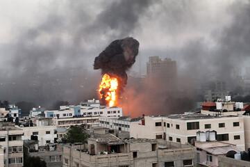 ببینید | زنده ماندن معجزهآسای یک نوزاد فلسطینی پس از ویران شدن خانه پدریاش در غزه