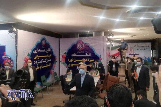 کنایه علی لاریجانی به رئیسی و قالیباف: حوزه اقتصاد نه پادگان است نه دادگاه