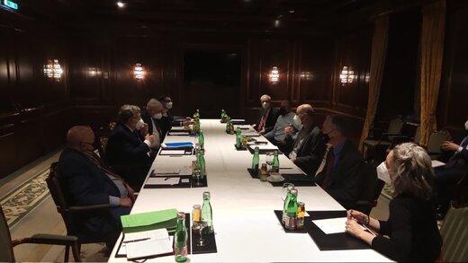 نماینده روسیه: از من میپرسند چرا مذاکرات برجامی را در تاریکی برگزار میکنید