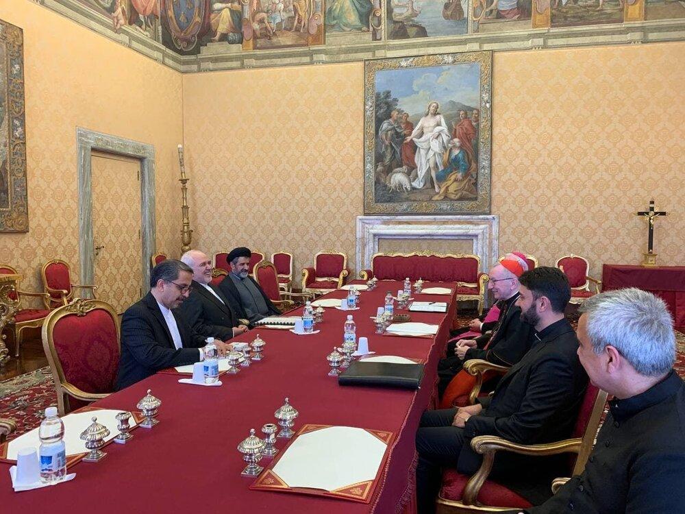 ظريف يجري مباحثات مع رئيس وزراء و وزير خارجية الفاتيكان