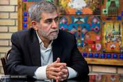 حملات تند فریدون عباسی به رئیسی/ در همان قوه می ماند و کارش را می کرد /احمدی نژاد شناسنامه و کارت ملی ایرانی دارد، چرا کاندیدا نشود؟