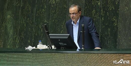رزم حسینی در مجلس: تبدیل به صادرکننده فولاد شدیم / لزوم عرضه فولاد در بورس