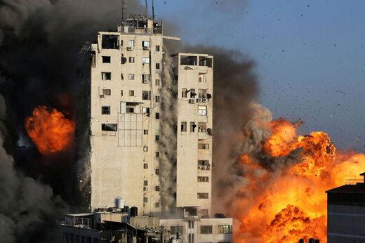 ببینید | لحظه بمباران خانهای در غزه از سوی جنگندههای رژیم صهیونیستی