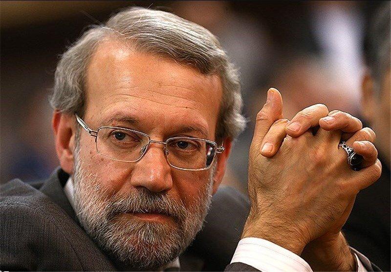 لاریجانی نه حزب تشکیل می دهد، نه به مجلس برمی گردد