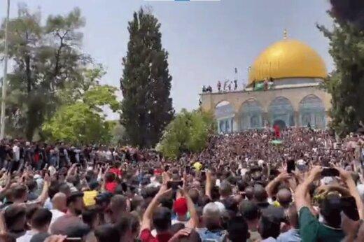 ببینید   رقص و آواز فلسطینیان در مسجد الاقصی