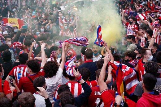 جشن قهرمانی هواداران اتلتیکومادرید پس از بازی روز گذشته در خیابان های شهر