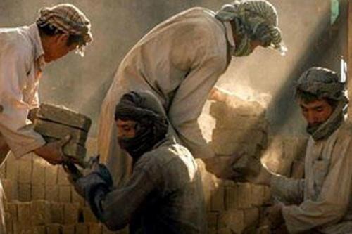 افزایشکوچ کارگران افغانستانی از ایران/ هزینه ساخت و ساز بالا می رود؟