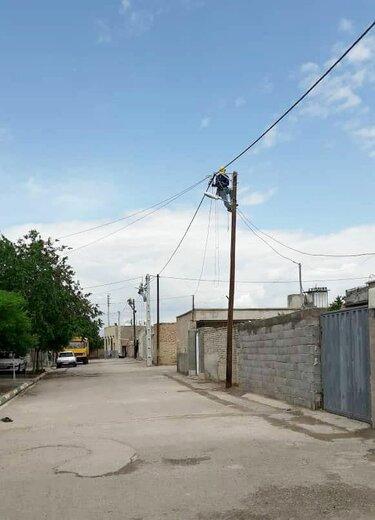 اجرای دو پروژه  بهینه سازی شبکه توزیع برق روستایی در شهرستان سمنان
