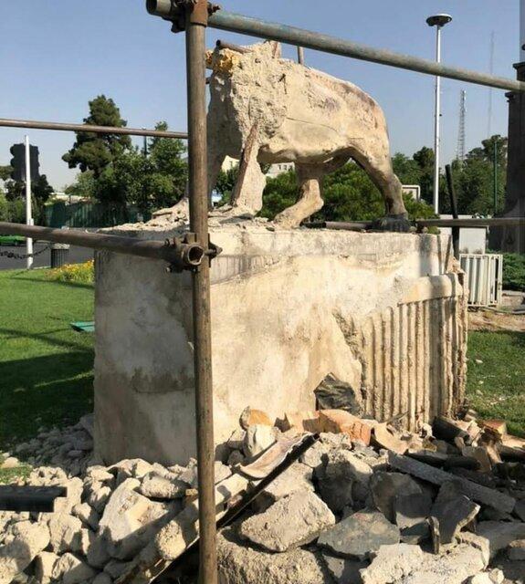 سازمان زیباسازی تهران: مجسمه شیرهای میدان حر تخریب نشده؛ مرمت شده!