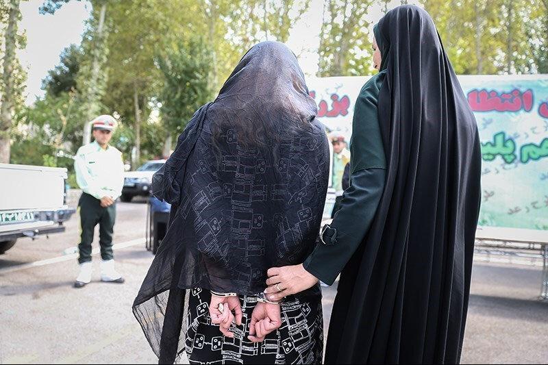 ببینید   دستگیری زن قمه به دست در تهران