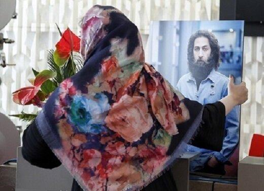 یادبود اشکان منصوری با بغض و گریه همکاران و دوستانش | تصاویر
