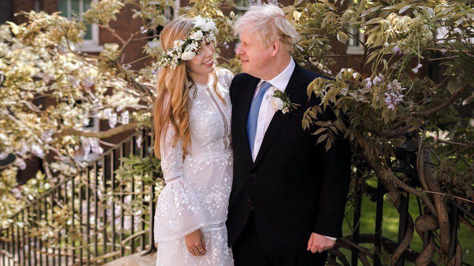 عکس | ازدواج مخفیانه نخست وزیر بریتانیا بعد از 2 سال نامزدی