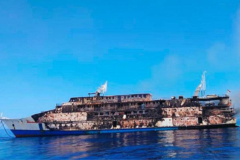 نجات ۱۹۵ مسافر کشتی آتش گرفته اندونزیایی