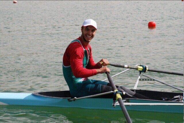 قایقرانی که برای حضور در آتشنشانی قید المپیک را زد