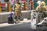 ببینید | نجات دختر جوان از خودکشی در اتوبان امام علی تهران