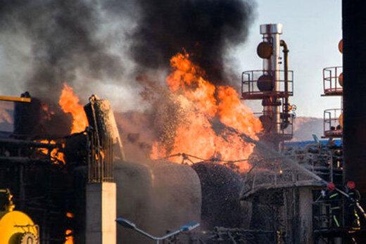ببینید   لحظه شروع حریق مخزن ضایعات نفتی پالایشگاه تهران