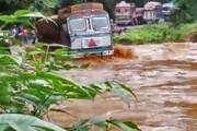 ببینید   لحظه واژگون شدن تریلی هنگام عبور از رودخانه در چابهار