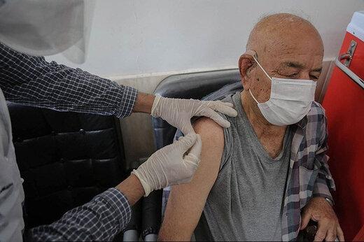 ببینید | زمان واکسیناسیون افراد بالای 65 سال مشخص شد