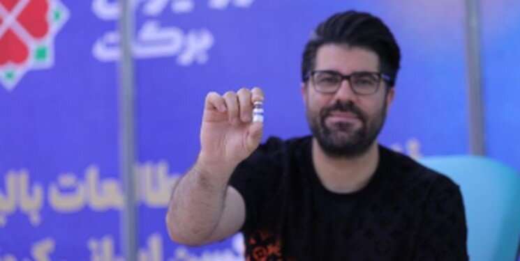 حامد همایون داوطلبانه واکسن ایرانی کرونا زد/ عکس