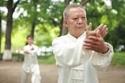 ببینید | راه حل سالمندان چینی برای درمان گردن درد