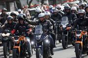 ببینید | جریمه آقای رئیس جمهور پشت موتورسیکلت