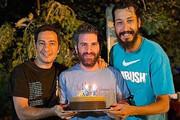 عکس | جشن تولد هوتن شکیبا با نوید محمد زاده و بهرام افشاری