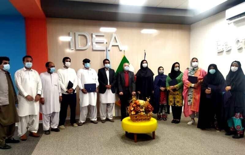 صنعتگران فعال صنایع دستی منطقه آزاد چابهار تجلیل شدند