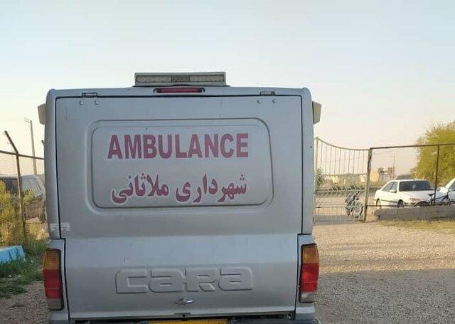 نعشکش به جای آمبولانس در زمین فوتبال!/عکس