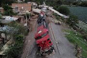 ببینید | خارج شدن مرگبار قطار از ریل در مکزیک