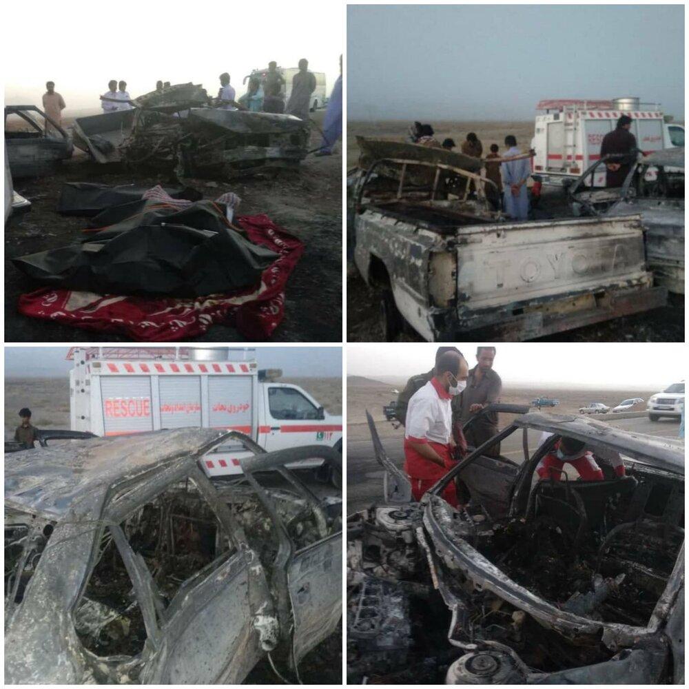 تصاویر   حادثه خونین در جاده سراوان به خاش/ ۶ نفر در آتش سوختند