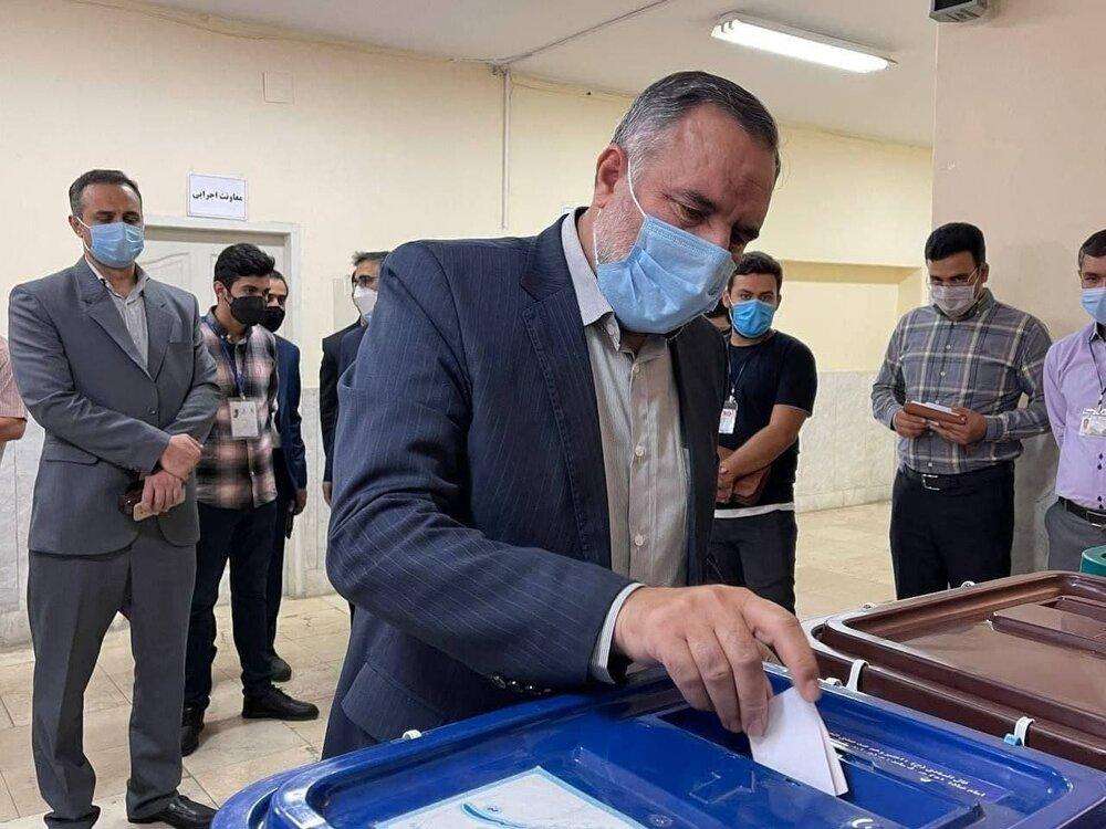 رونمایی سردار حاجی زاده از قوی ترین موشک ایران /واعظی رأی داد /مقام بلند پایه ارتش رأی خود را به صندوق انداخت+عکس