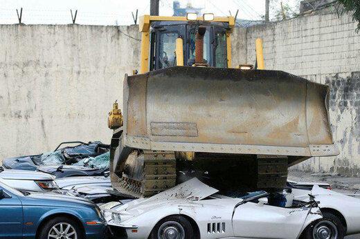 ببینید | نحوه مبارزه دولت فیلیپین با ماشینهایی لاکچری اما قاچاق!