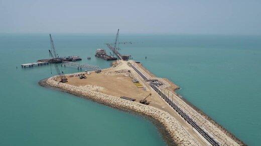 کلنگ ۱۰۵ پروژه افتتاحی در منظقه آزاد قشم زده می شود